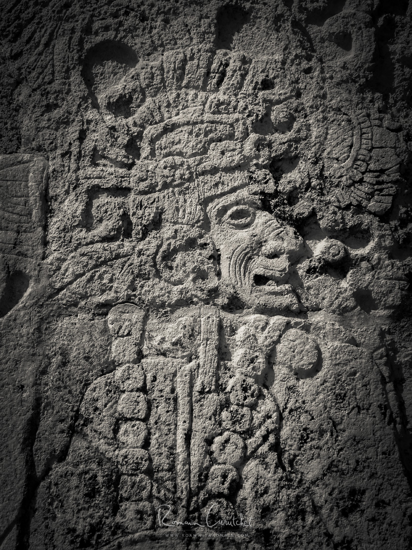 Mayan figure in temple facade, Chichen Itza archaeological site in Yucatán